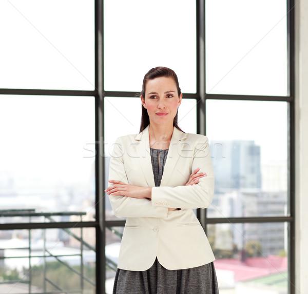 Mooie zakenvrouw gevouwen armen jonge business Stockfoto © wavebreak_media