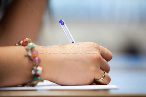 Schließen Hand schriftlich Papier Arbeit Studenten Stock foto © wavebreak_media