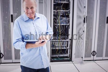 Férfi tabletta karbantartás szerverek táblagép adatközpont Stock fotó © wavebreak_media