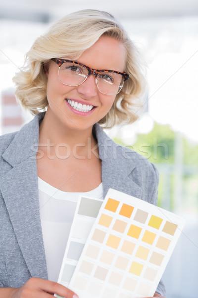 Hermosa decorador de interiores color brillante Foto stock © wavebreak_media