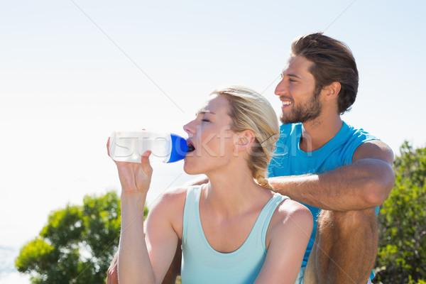 Dopasować para przerwie patrząc widoku Zdjęcia stock © wavebreak_media