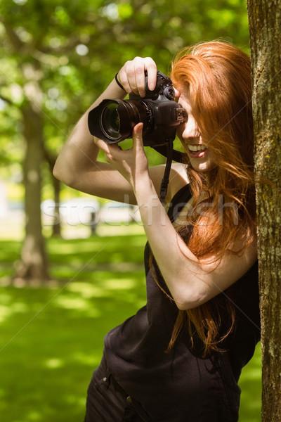 красивой женщины фотограф парка портрет счастливым Сток-фото © wavebreak_media