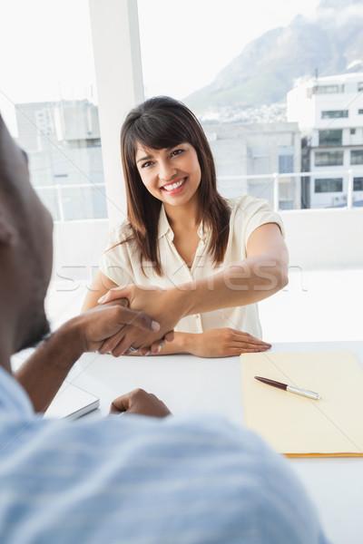 Handdruk zegel deal zakelijke bijeenkomst kantoor man Stockfoto © wavebreak_media