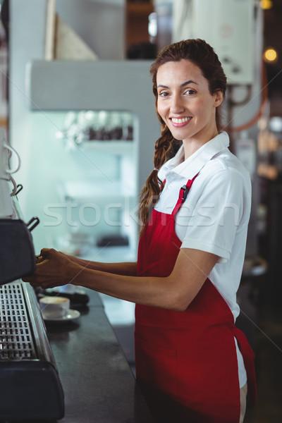 Güzel barista bakıyor kamera kafe Stok fotoğraf © wavebreak_media