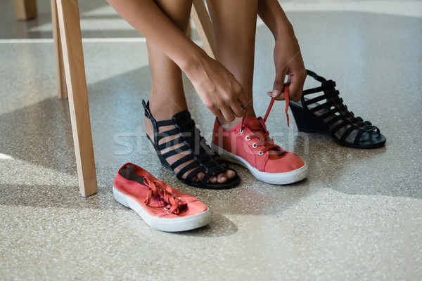 Basso sezione donna indossare tela scarpe Foto d'archivio © wavebreak_media