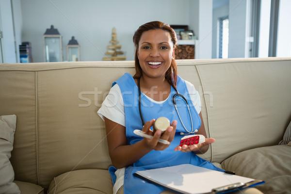 Médico prescrição pílula garrafa hospital Foto stock © wavebreak_media