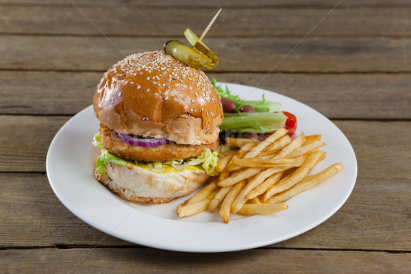 Hamburger Salat Platte Holztisch Stock foto © wavebreak_media
