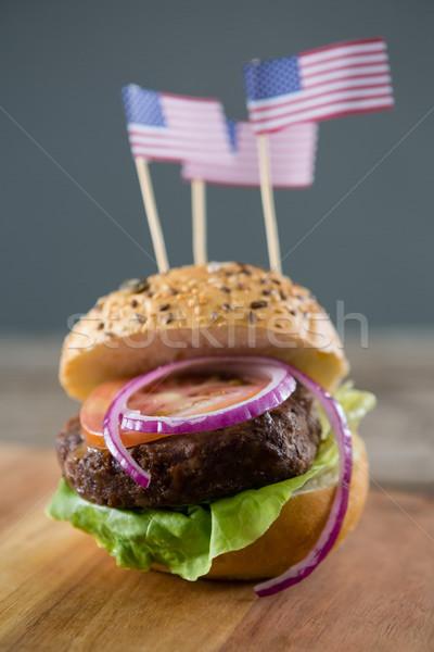Hamburger bandiera americana servito tagliere legno Foto d'archivio © wavebreak_media