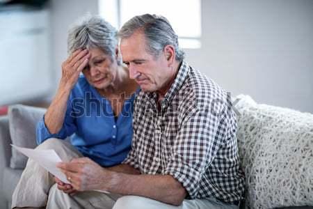 Vrouwelijke arts senior man sofa verpleeginrichting Stockfoto © wavebreak_media