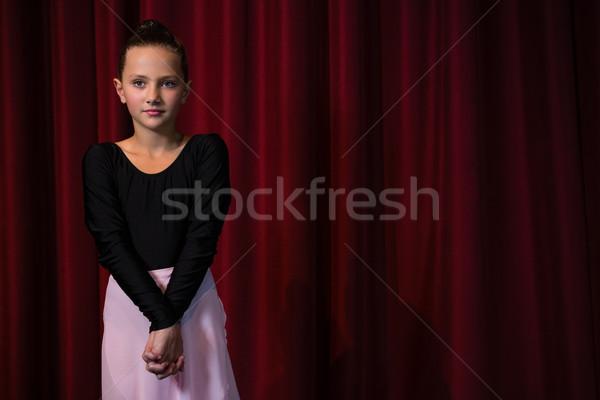 Ballerina oefenen ballet dans fase meisje Stockfoto © wavebreak_media