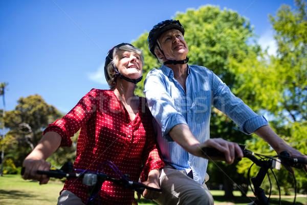 Gelukkig paar paardrijden fiets park Stockfoto © wavebreak_media