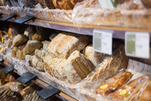 Skupić półki chleba supermarket zakupy koszyka Zdjęcia stock © wavebreak_media