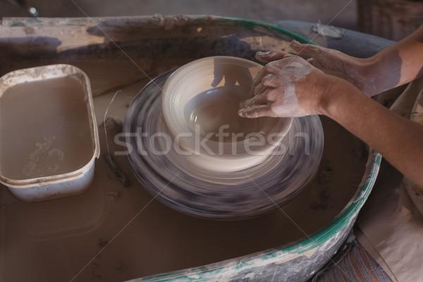 Középső rész női készít edény cserépedények műhely Stock fotó © wavebreak_media