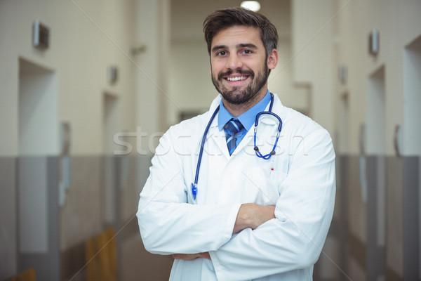 Portré férfi orvos áll folyosó kórház férfi Stock fotó © wavebreak_media