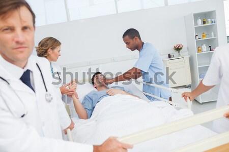 Női orvos nővér néz beteg vonzó nő Stock fotó © wavebreak_media