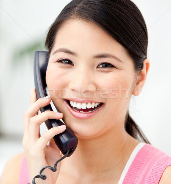 Portrait femme d'affaires parler téléphone bureau Photo stock © wavebreak_media