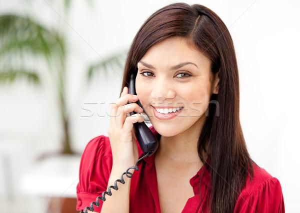 Portret kobieta interesu mówić telefonu biuro telefon Zdjęcia stock © wavebreak_media