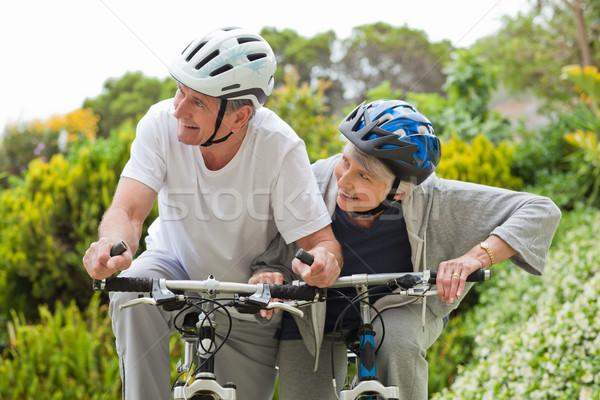 Stock fotó: érett · pár · hegyikerékpározás · kívül · mosoly · hegy