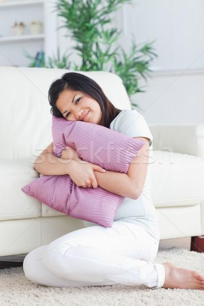 женщину плотный подушкой гостиной окна Сток-фото © wavebreak_media
