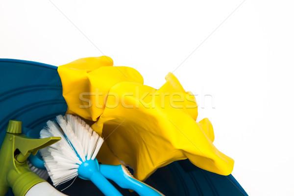 Prodotti di pulizia secchio pennello guanti sfondo bianco primo piano Foto d'archivio © wavebreak_media
