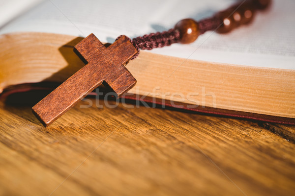 Open bible with rosary beads Stock photo © wavebreak_media