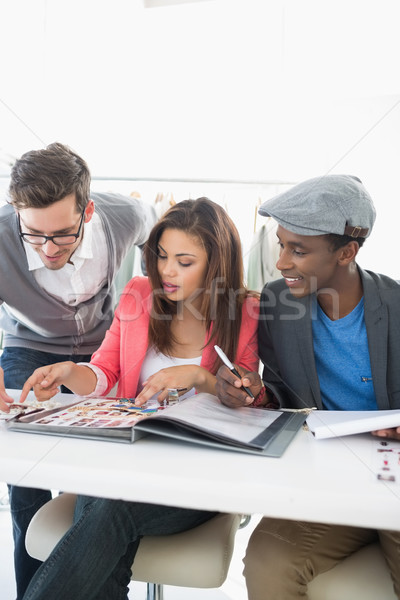 Moda discutir projetos grupo estúdio negócio Foto stock © wavebreak_media