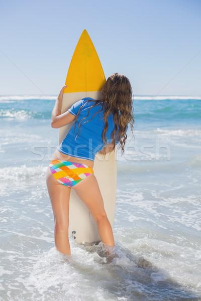 Foto d'archivio: Montare · surfer · ragazza · piedi · spiaggia · tavola · da · surf