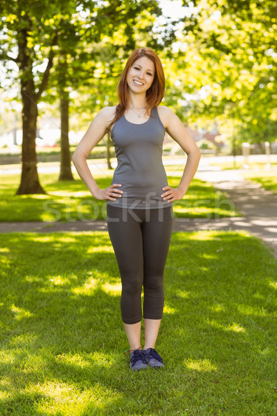 Csinos vörös hajú nő mosolyog sportruha napos idő boldog Stock fotó © wavebreak_media