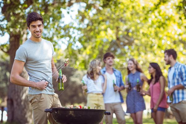 Stockfoto: Gelukkig · vrienden · park · barbecue · vrouw