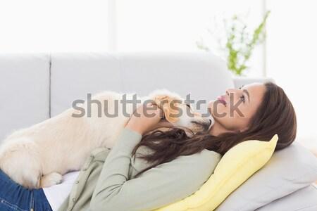 Gelukkig blond huisdier kat sofa home Stockfoto © wavebreak_media