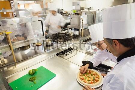 Chef comerciales cocina restaurante alimentos Foto stock © wavebreak_media