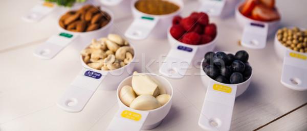 Adag csészék egészséges hozzávalók fa asztal eper Stock fotó © wavebreak_media