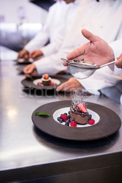 повар десерта пластина сахарной пудры Сток-фото © wavebreak_media