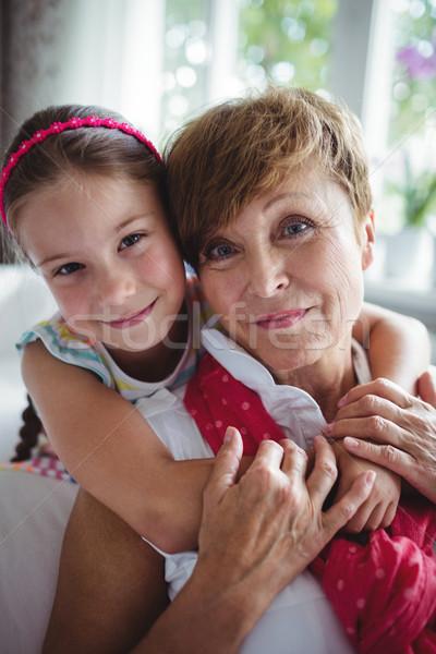 Porträt Enkelin Großmutter home Frau Stock foto © wavebreak_media