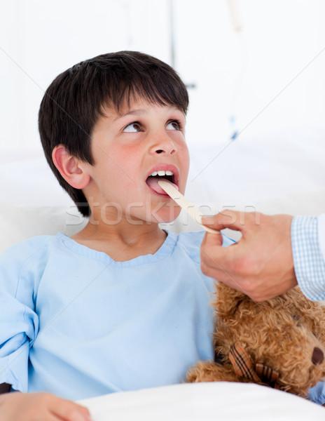 Sevimli küçük erkek muayene hastane çalışmak Stok fotoğraf © wavebreak_media