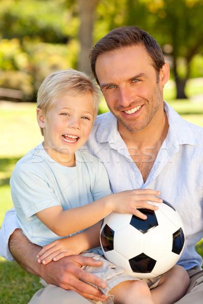 Foto stock: Hijo · de · padre · partido · de · fútbol · familia · hierba · hombre · naturaleza