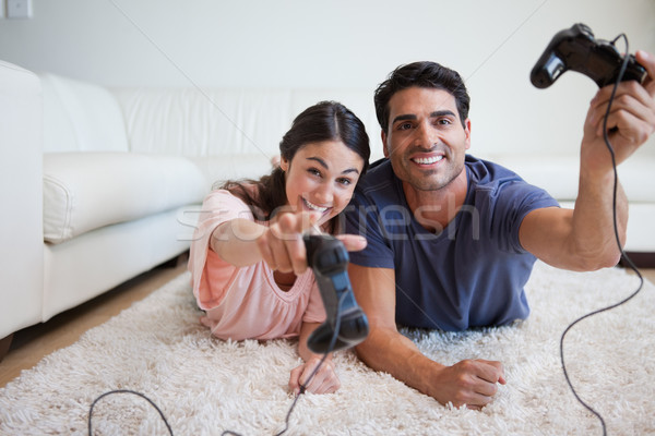 Verspielt spielen Videospiele Wohnzimmer home Stock foto © wavebreak_media