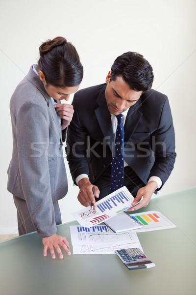 Portrait ventes personnes étudier statistiques Photo stock © wavebreak_media