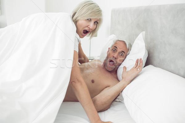 портрет зрелый пару кровать домой Сток-фото © wavebreak_media