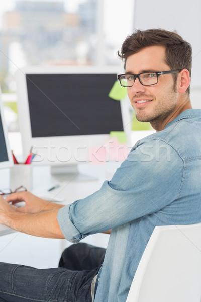 Oldalnézet portré férfi művész számítógéphasználat iroda Stock fotó © wavebreak_media