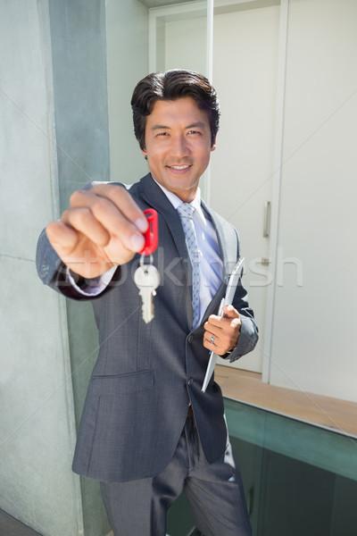 Stałego przednie drzwi kluczowych na zewnątrz Zdjęcia stock © wavebreak_media