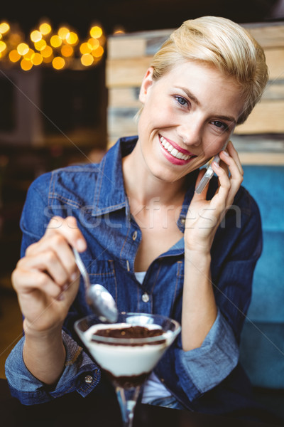 Sorridente alimentação cremoso chocolate feliz Foto stock © wavebreak_media