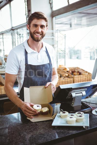 Uśmiechnięty pracownika działalności żywności serwera pracy Zdjęcia stock © wavebreak_media