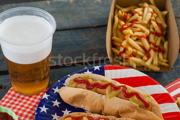 Hot dog serviert Platte Bier Stock foto © wavebreak_media