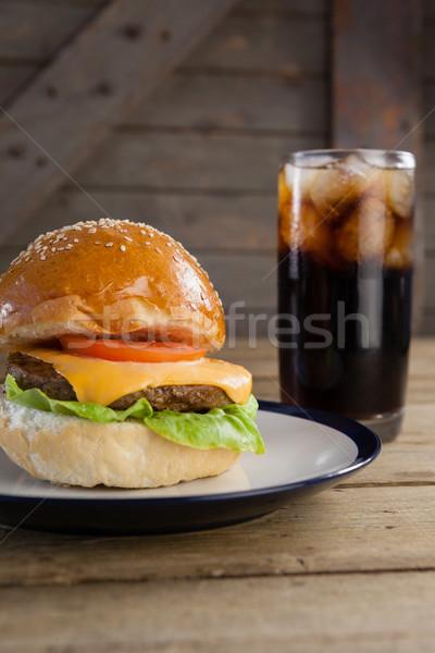 гамбургер пластина стекла холодные напитки таблице продовольствие Сток-фото © wavebreak_media
