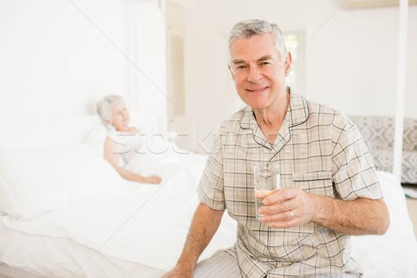穏やかな シニア 男 ガラス 水 ストックフォト © wavebreak_media