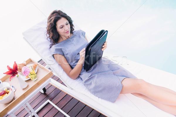 若い女性 書く プランナー リラックス 太陽 女性 ストックフォト © wavebreak_media