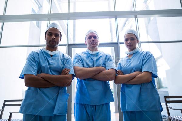 Chirurgen permanente ziekenhuis gang portret Stockfoto © wavebreak_media