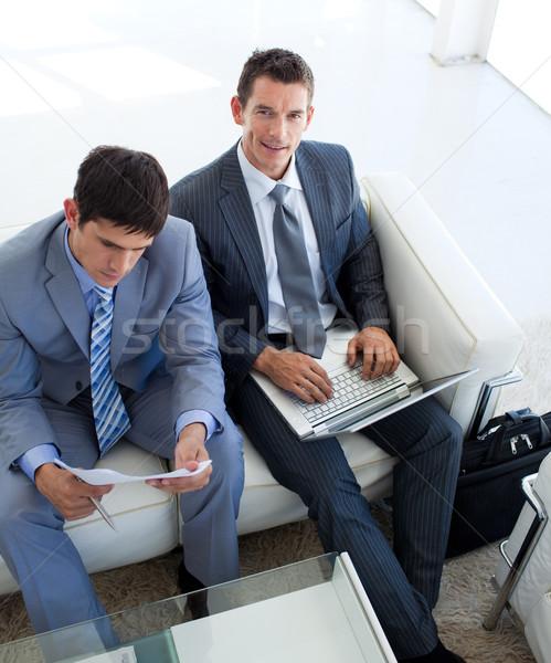 Empresários relaxante entrevista de emprego sala de espera atraente negócio Foto stock © wavebreak_media