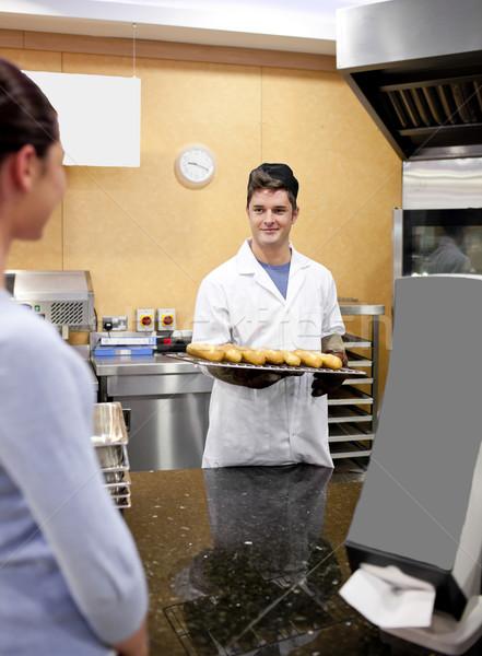 красивой клиентов ждет хлеб улыбаясь Сток-фото © wavebreak_media